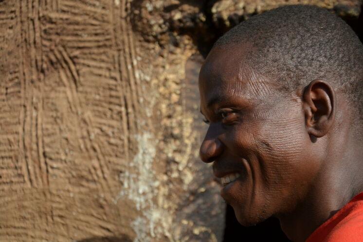 Matthias ist unser lokaler Guide im Norden. Auch er trägt die typischen Gesichtsnarben der Somba mit Stolz.