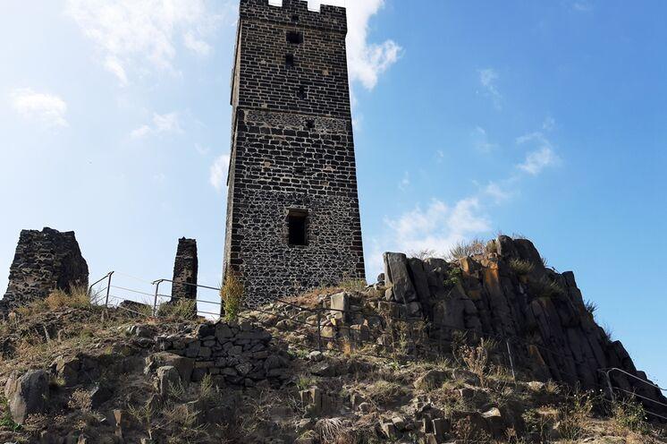 Auch auf  der Burg Hazmburk finden Sie beeidruckende Basaltsäulen vor