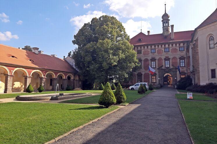Im Schloss Libochovice können Sie die Historie Europas hautnah erleben