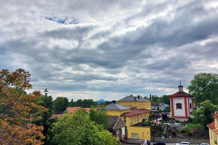 Blick zur Hazmburk von Leitmeritz