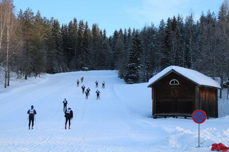 Ein Bild was es beim Vasaloppet so schnell nicht mehr geben wird: Freie Fahrt am ersten Berg