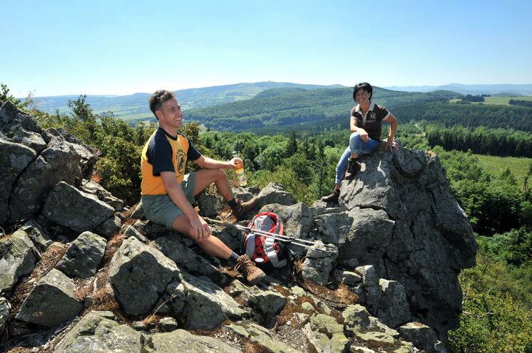 Die basaltenen Bergeshöhen sind sehr markant für den Höhenzug der Rhön