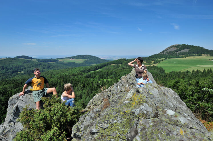 Soweit das Auge reicht – DER HOCHRHÖNER® bietet Aussichten weit ins Land der offenen Fernen