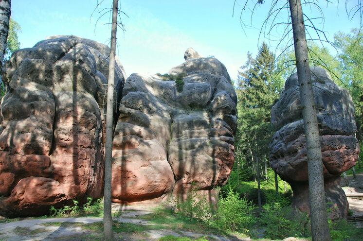 Fantasieanregende Felsgebilde sind kennzeichnend für viele Regionen des Zittauer Gebirges