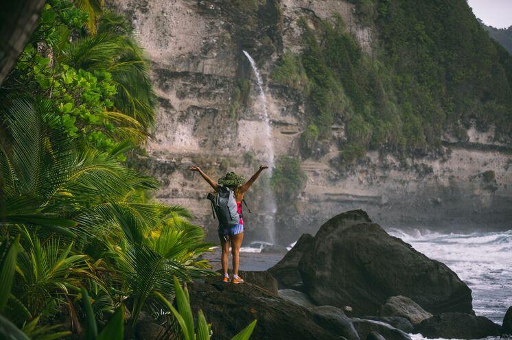 Genießen Sie einen freien Tag am Strand oder gehen Sie mit Ihrem Guide auf eine kleine Klettertour zu einem verborgenen Wasserfall. Bild: Copyright DDA
