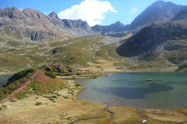 Während der folgenden Tage werden Sie noch einige der malerischen Bergseen entlang des Tauernhöhenweges kennenlernen – einer schöner als der andere (Foto: R. Schönsee)