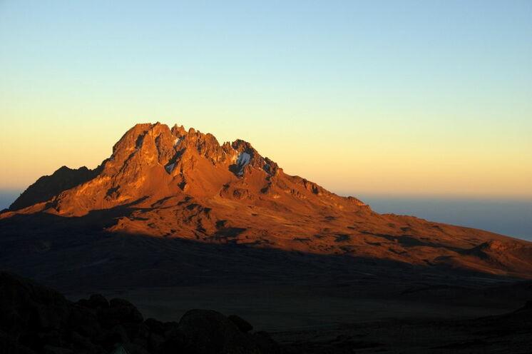 Atemberaubender Anblick: Der Mawenzi bei Sonnenuntergang von der Kibo Hut (4700m) / Marangu-Route