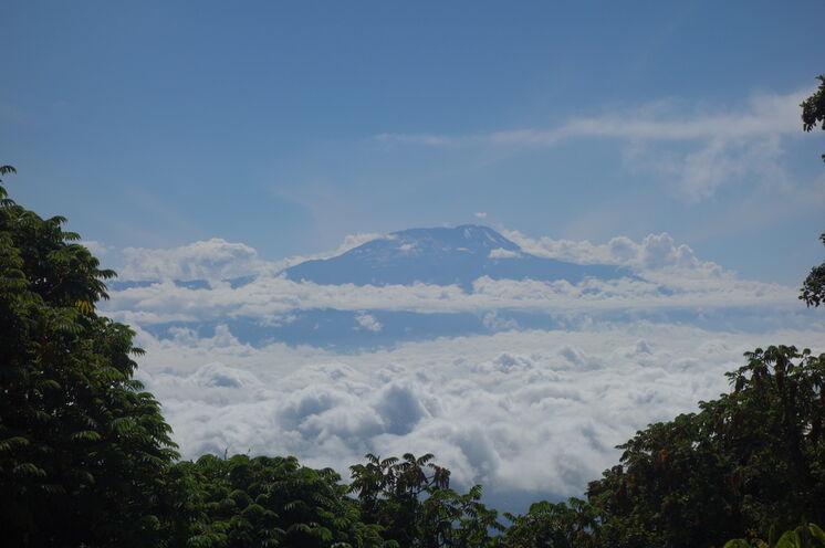 Vom Gipfel des Mount Meru, den Sie im Vorfeld besteigen, ergeben sich regelmäßig Traumblicke auf Ihr großes Ziel