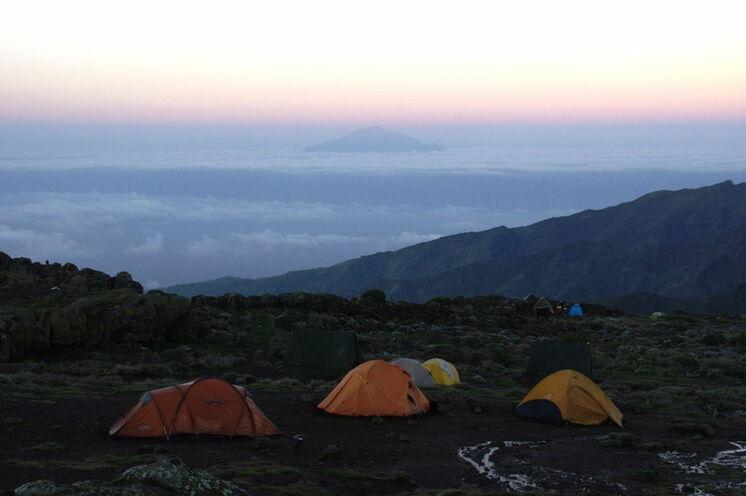 Blick vom Shira Camp auf den Mt. Meru (Machame/Lemosho-Route)