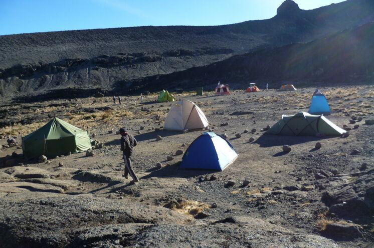 Auf abgelegenen Campingplätzen übernachten Sie auf der Northern Circuit Route