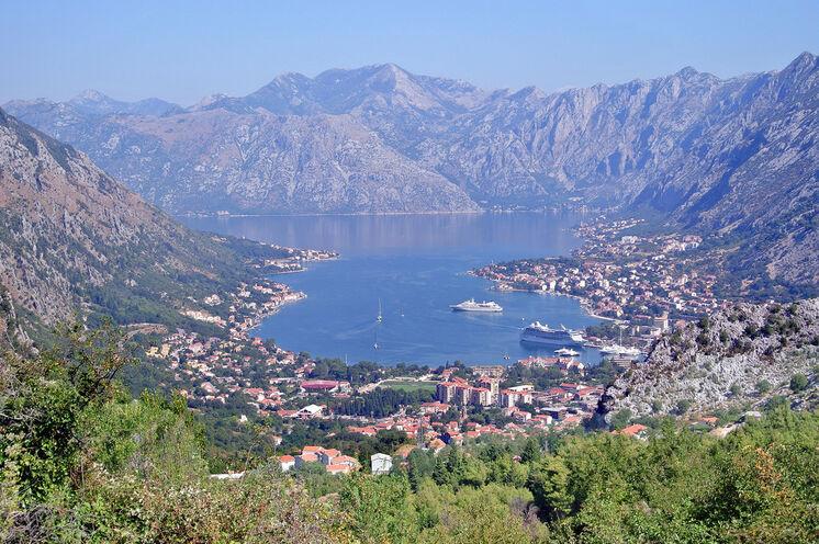Traumhafter Blick auf die Bucht von Kotor