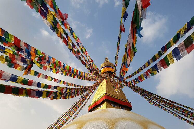 Heiligtum der buddhistischen Nepalesen: der Stupa des Boudhanath in Kathmandu