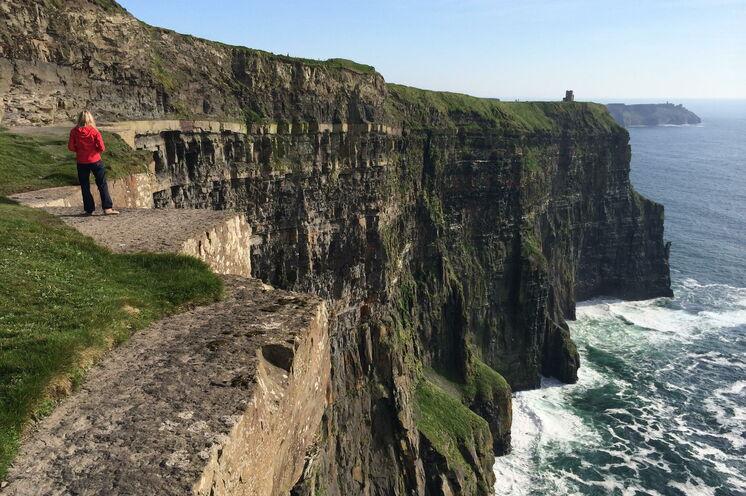 Wandern an den bekanntesten Steilklippen Irlands, den Cliffs of Moher