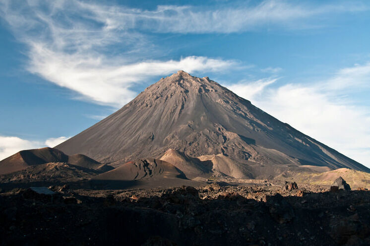 Wandern und Urlaub auf den Kapverden. Hier: Der Bilderbuchvulkan Pico do Fogo (2829 m)