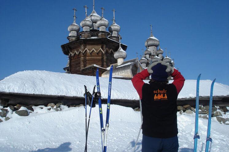 Kischi: im Winter erhabene Stille, da nur wenige Besucher zu dieser Jahreszeit hierher gelangen..