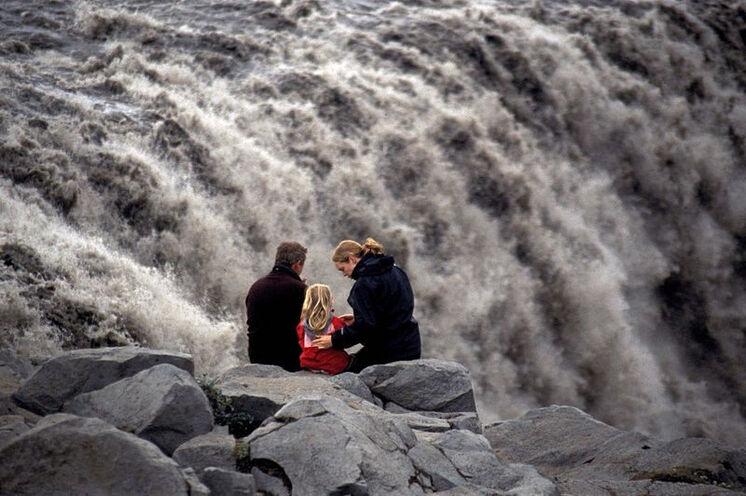 Stopp beim mächtigsten Wasserfall Europas - Dettifoss