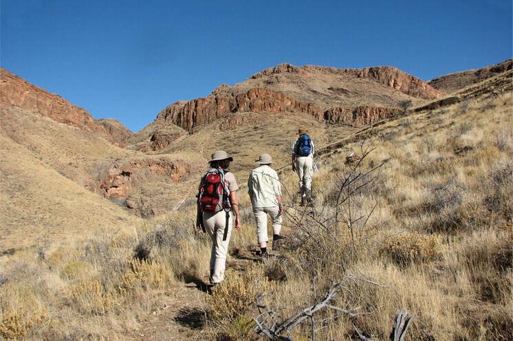 Wanderung durch die beeindruckende Landschaft der Naukluft (4. Tag), hier kommen Naturfreunde auf Ihre Kosten.