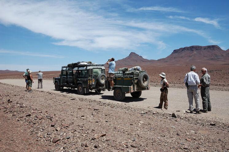 In solchen Geländefahrzeugen durchreisen Sie Namibia und gelangen somit auch  zu interessanten Reisezielen im Outback.