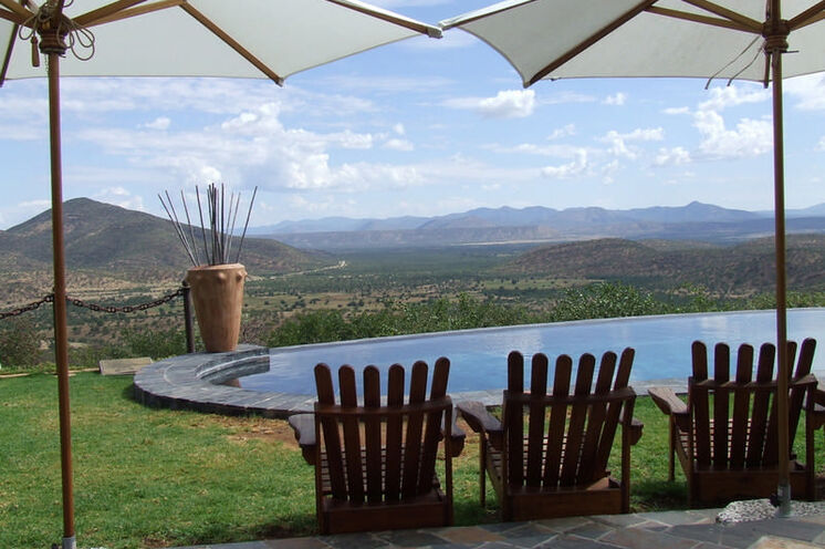 Viele Lodges bieten einen Swimmingpool, Urlaubsfeeling pur!