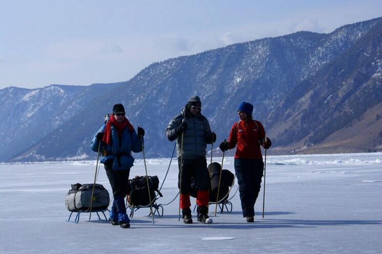 5 Tage Eistrekking immer in der Nähe der Insel mit majestätischer Kulisse.