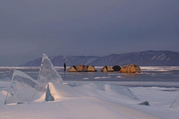 """Zelten in der """"Eiswüste"""" ist schon etwas ganz Besonderes"""