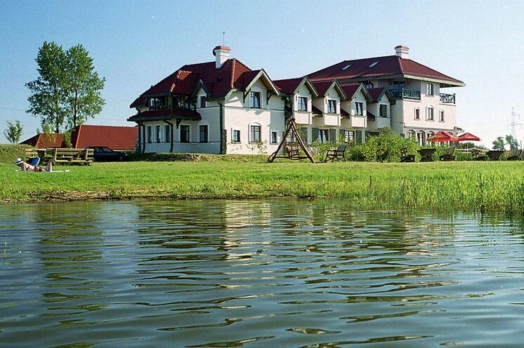 In diesem kleinen Hotel am Ros-See bleiben Sie 5 Nächte