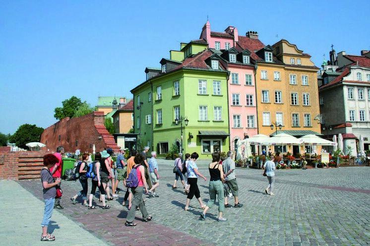 Start in Warschau: Rundgang in der Hauptstadt....