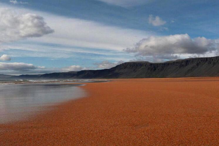 Rauðasandur - ein Sandstrand wie aus dem Bilderbuch. Wenn nur die Badetemperaturen...