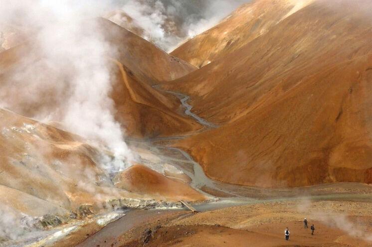 Wandern inmitten eines riesigen Gemäldes – Rhyolithgebirge Kerlingarfjöll