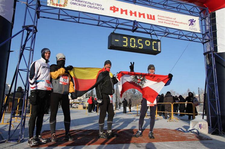 2011 kurz vor dem Start - der bisher zweitkälteste Lauf bei dem alle ins Ziel kamen.